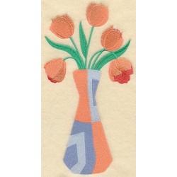 kytice tulipánů ve váze